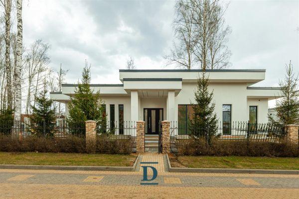 дом ID-361 в коттеджном посёлке Монтевиль