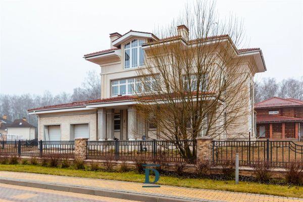 дом ID-328 в коттеджном посёлке Монтевиль